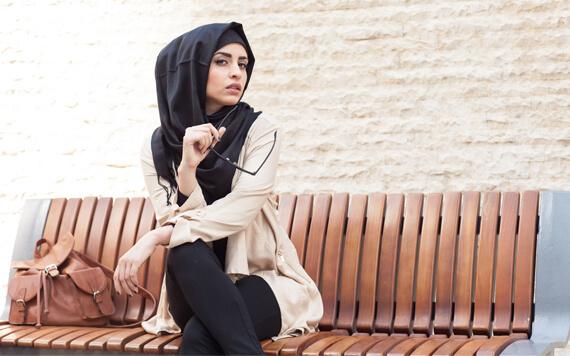 5 Desainer Dunia Berikut Juga Memiliki Produk untuk Muslimah