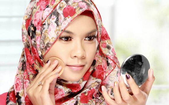 10 Merek Kosmetik Halal yang Wajib Dicoba oleh Para Hijabers