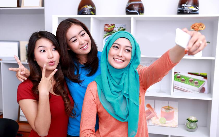 Daftar 5 Smartphone dengan Kamera Depan Terbaik untuk Selfie