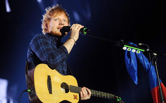 6 Tips Fashion ala Ed Sheeran yang Cuek Namun Memikat Wanita