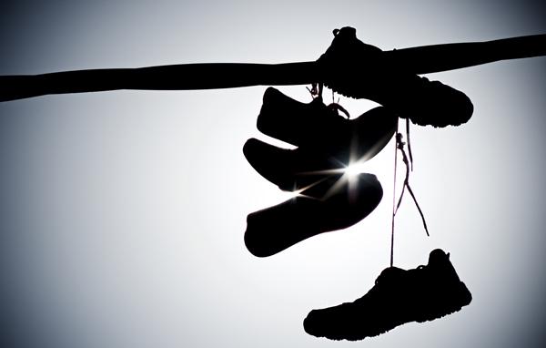 Image result for membeli sepatu baru]