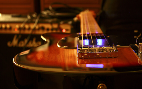 6 Instrumen Untuk Membuat Studio Musik di Rumah
