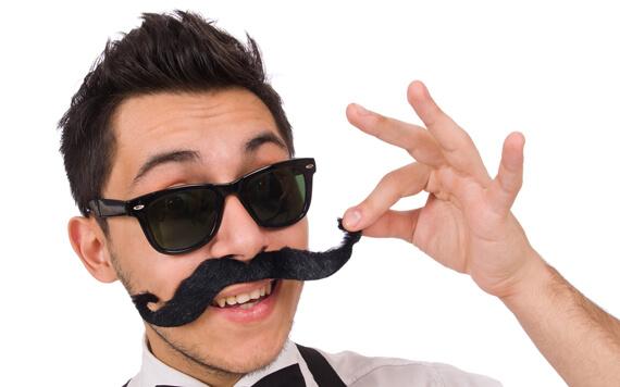 Ingin Punya Kumis Lebat dan Terlihat Macho? Baca 5 Tips Ini!