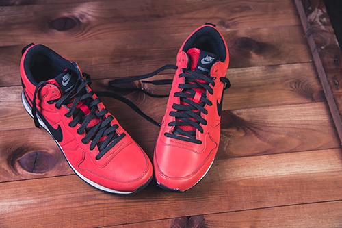 Nike didirikan pada tahun 1964. Meskipun Nike memproduksi berbagai macam  sepatu olahraga 235e45e0c5
