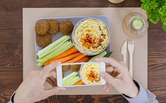 Menjadi Seorang Food Blogger Dengan 4 Tips Dasar Ini